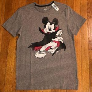 Disney men's S Mickey Mouse vampire tee NWT